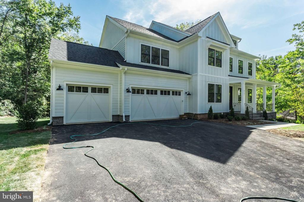 8301 Robey Ave, Annandale, VA 22003