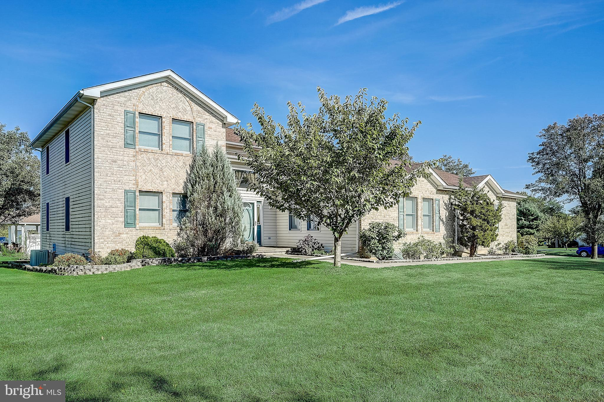 2465 COUNTRY TOP TRAIL, BETHLEHEM, PA 18020