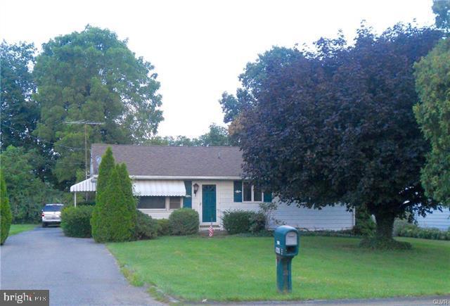 1661 TREXLERTOWN RD, MACUNGIE, PA 18062