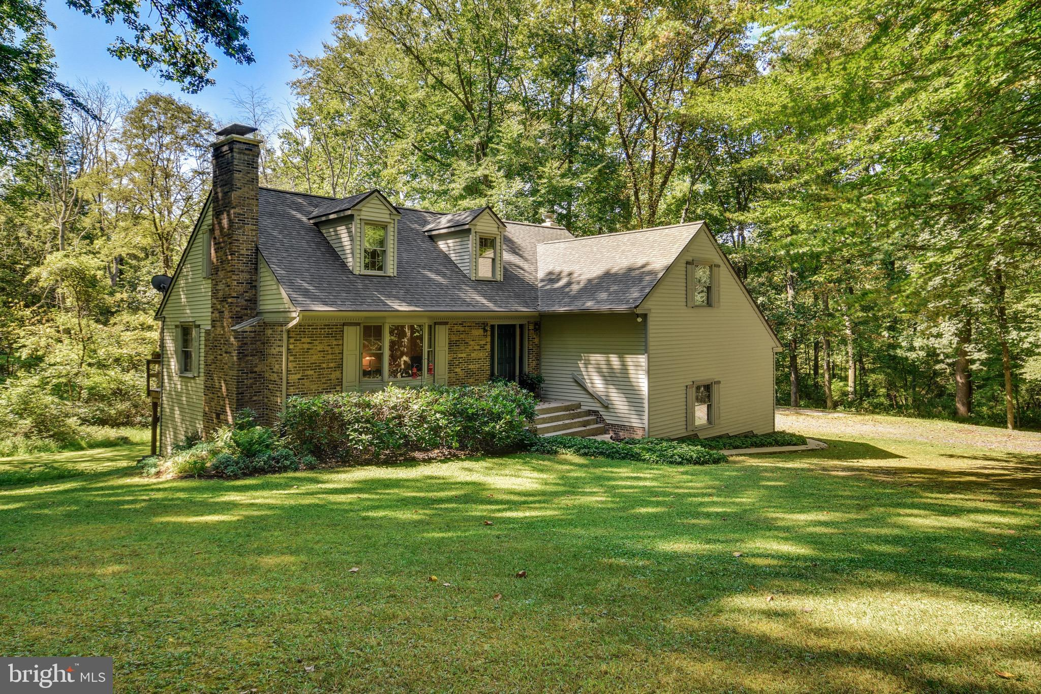 544 COON HOLLOW ROAD, RIEGELSVILLE, PA 18077