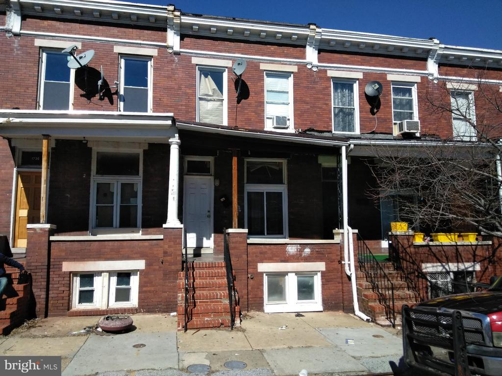 ONLINE AUCTION: Bidding Begins 10/28@ 10:00 am Bidding Ends 10/29 @ 3:40 pm. List Price is Suggested Opening Bid. Rental Portfolio: $900/mo2 Story townhome located in the Darley Park area. In close proximity to Clifton Park, and easy access to Harford Road. Property is rented $900/mo. Scheduled Annual Rent is $10,800. 10% Buyer's Premium. Deposit $2,500. For full Terms and Conditions contact auctioneer~s office.
