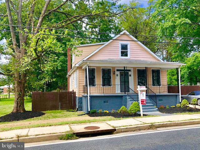 Newly Renovated Single Family Home! This 5 bedroom and 2 bath home has been gutted from the inside and made brand new. Too many things to list Must see inside for all the upgrades. Major Price Reduction!