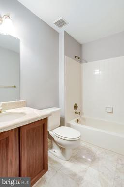 Photo of 6281 Chaucer View Cir