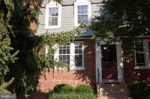 Photo of 1727 N Rhodes St #232