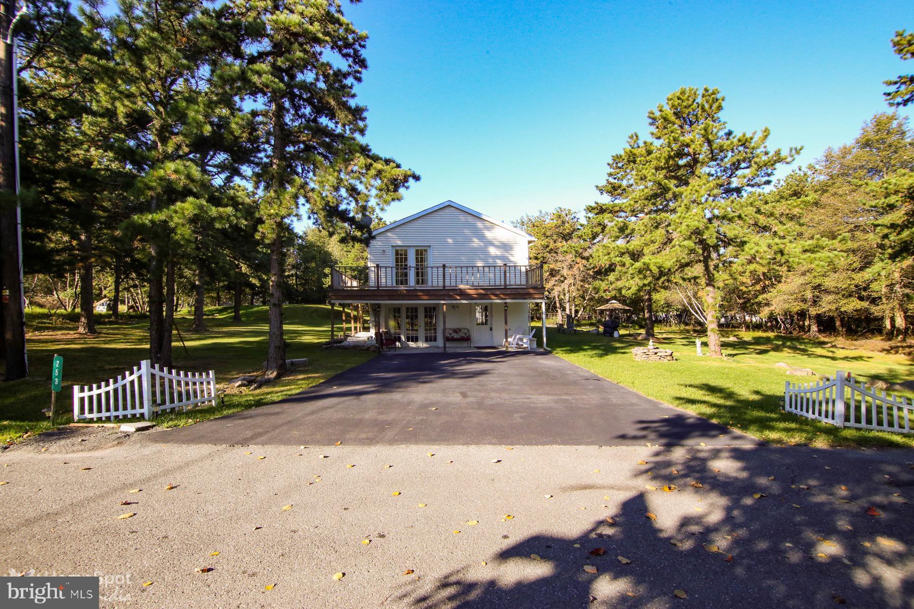 253 SNOWSHOE LANE, BLAKESLEE, PA 18610