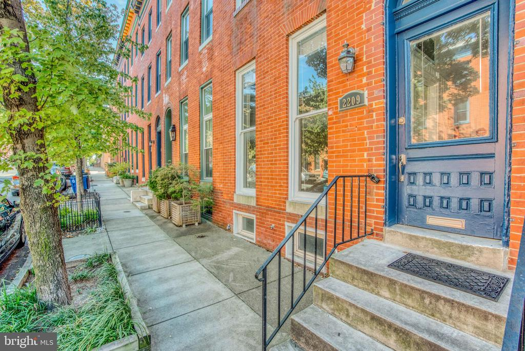 Huge 2,400+ square foot home!  Great investment opportunity. 2 unit home (1 bedroom 1 bath unit) (2 bedroom 2 bath unit).  Live in one and rent out the other or turn it into one Unit to live in.  Located in the Upper Fells Point Area and close to all Canton and Fells Point has to offer.