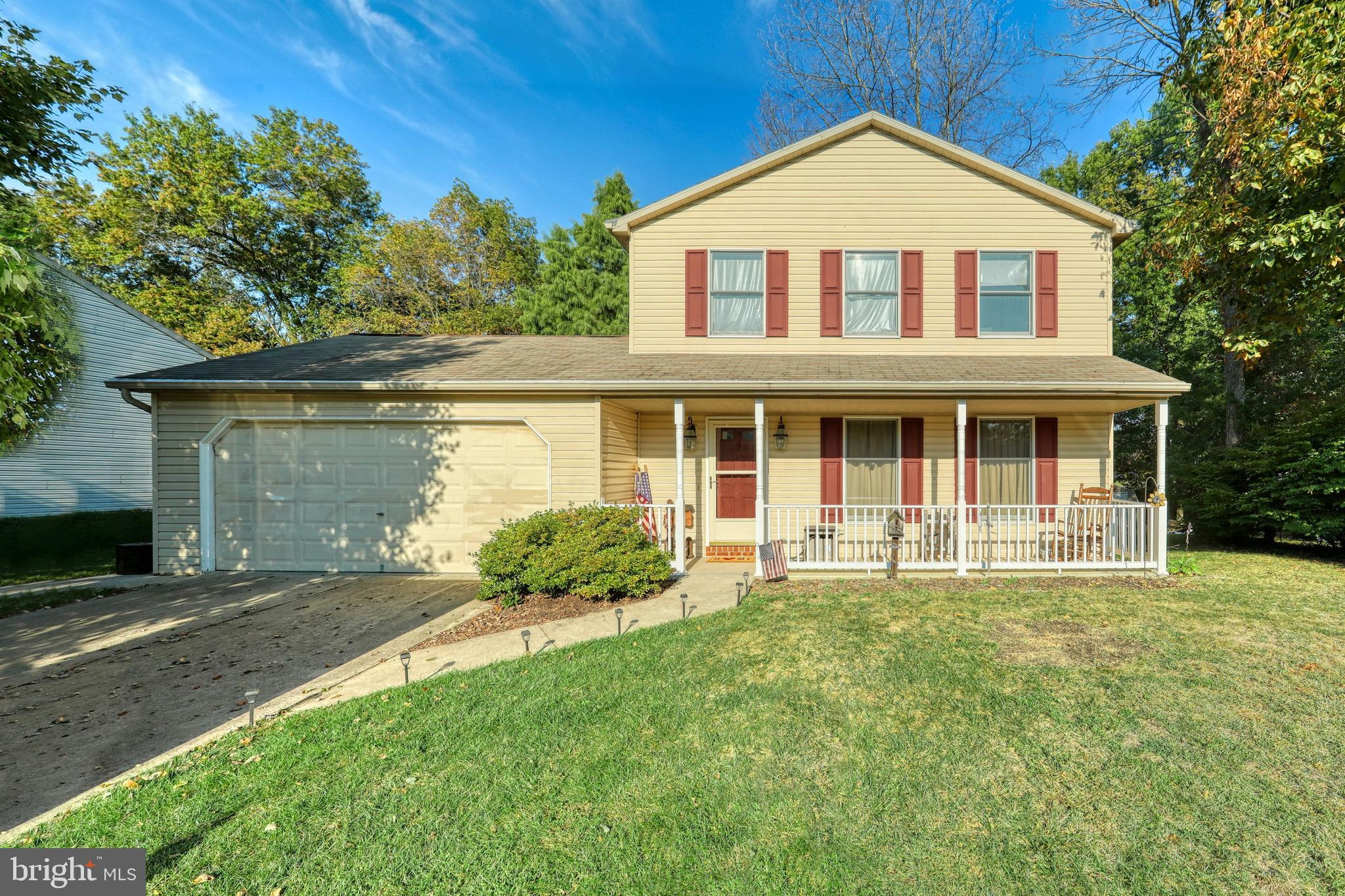 25 HICKORY DRIVE, MANCHESTER, PA 17345