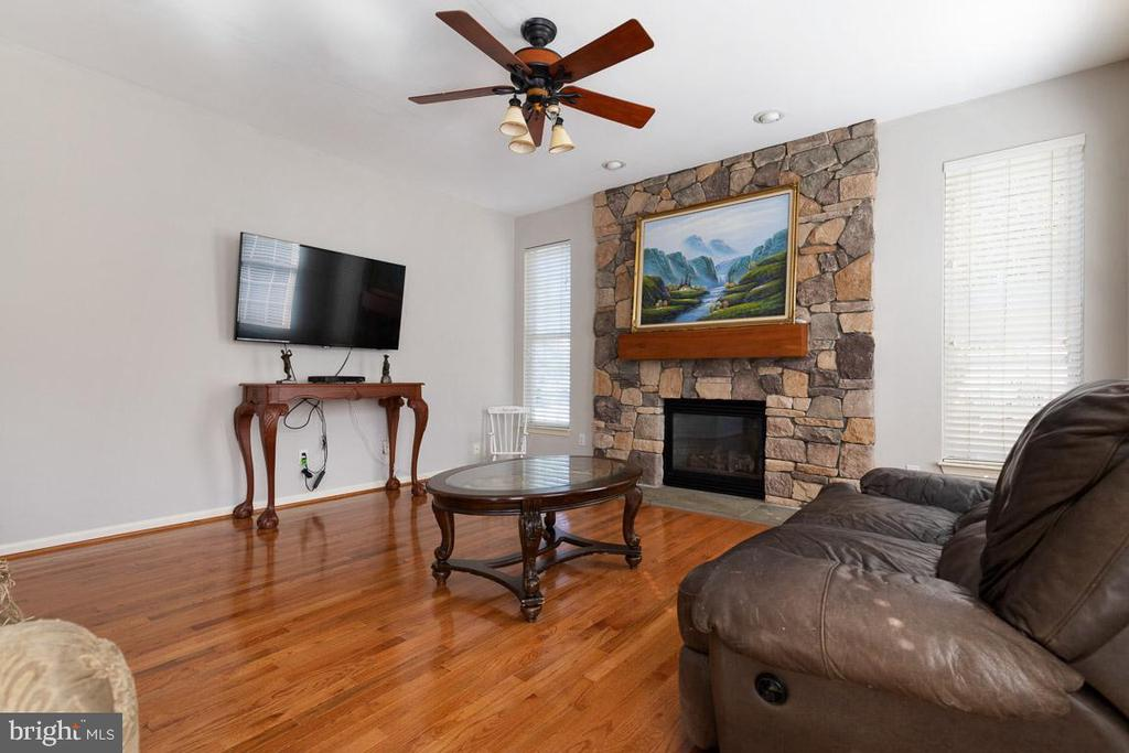 Photo of 7635 Covewood Ct
