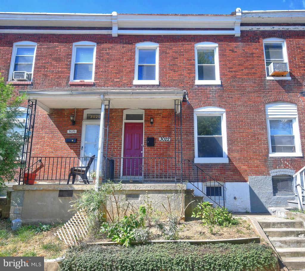 Beautifully updated 2 bedroom, 1 bath townhouse with wood-looking ceramic tile floor throughout living room, kitchen & laundry room. Gourmet kitchen with stainless steel appliances, granite counter tops and breakfast bar with recessed lighting. Spacious master bedroom with 2 closets, 2nd bedroom and ceramic tiled full bath complete the 2nd level. Newer vinyl windows and fully fenced rear yard.