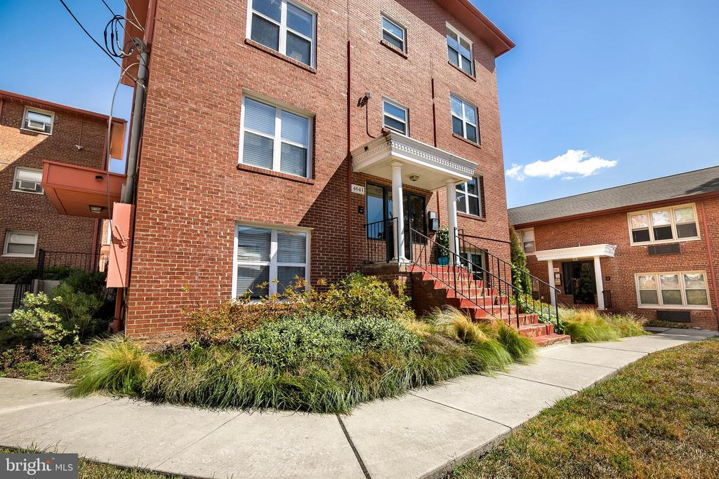 4643 20th Rd N #8, Arlington, VA 22207