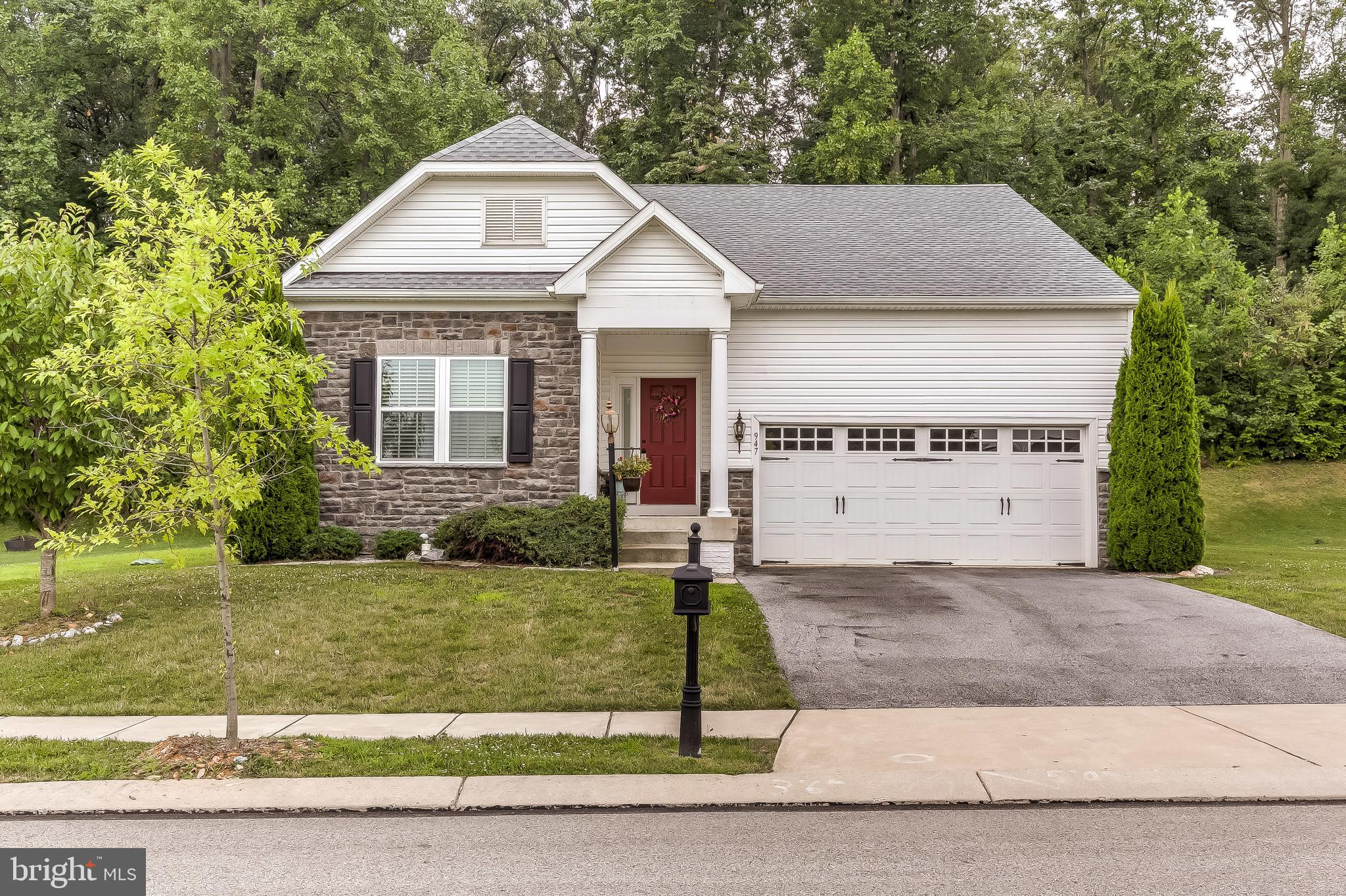 947 COUNTRYSIDE ROAD, SEVEN VALLEYS, PA 17360