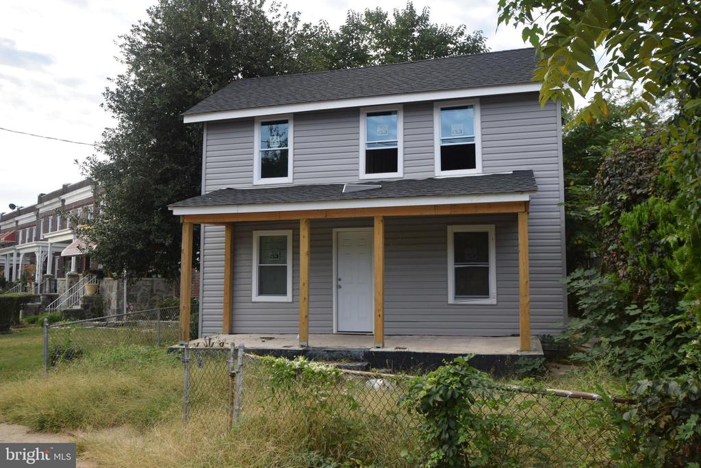 This 1500 sqft detached home awaits your finishing touches. The major part of the work has been done, new electrical, HVAC, plumbing, new windows and new roof! Please sign Hold Harmless and email to ann@conwayrealtors.com