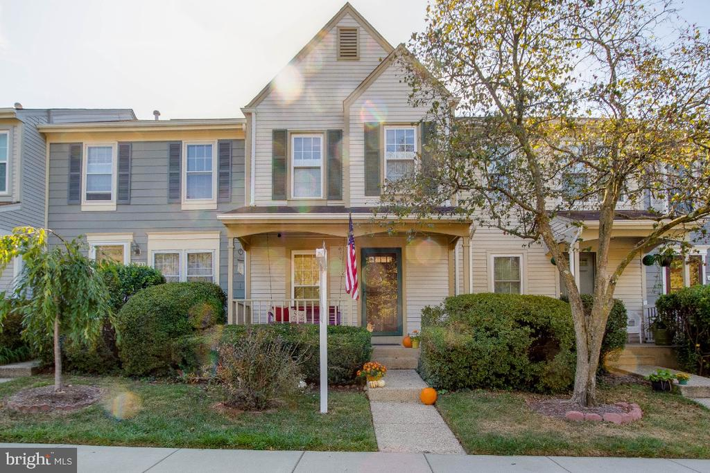 6509 Brick Hearth Ct, Alexandria, VA 22306