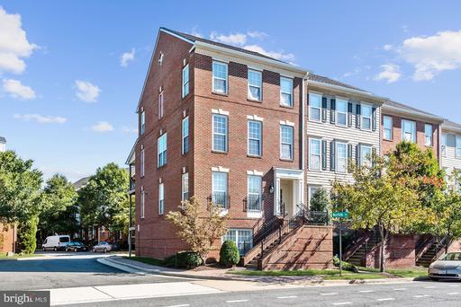 1617-B Potomac Greens Dr #B, Alexandria, VA 22314