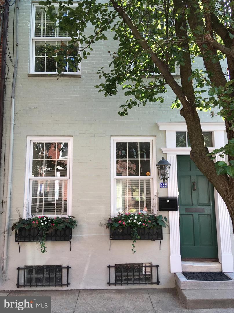 132 Queen Street Philadelphia, PA 19147