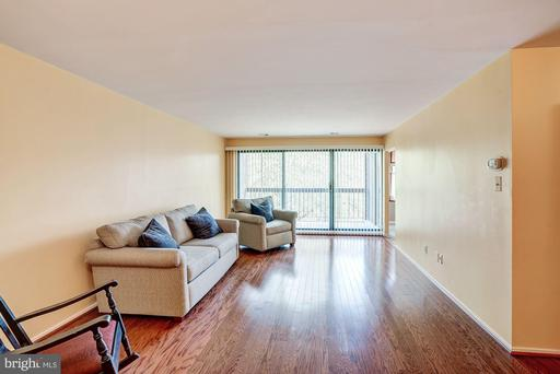 Photo of 2817 Jermantown Rd #302