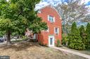 3203 Ravensworth Pl
