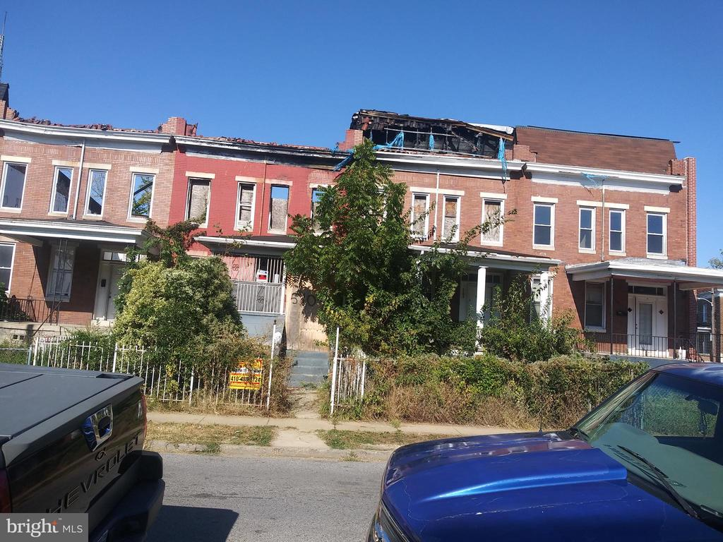 POST AUCTION DEAL: Call Office To Buy Now! 2 Story Townhome in Langston Hughes. Property is Vacant. 10% Buyer's Premium or $1,000 whichever is greater. Deposit $2,000. For full Terms and Conditions contact auctioneer's office.