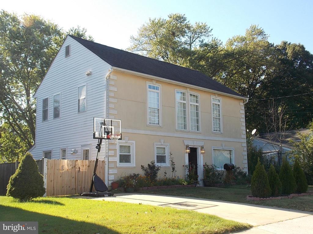 111 Pierce St, Manassas Park, VA 20111