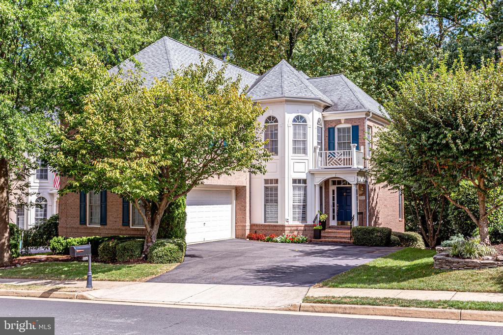 10074  DANIELS RUN WAY, Fairfax, Virginia
