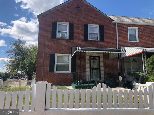 Hardwood floors, fresh paint, enclosed sunroom, fence in yard and basement. Three bedrooms, 1.5 bathrooms.