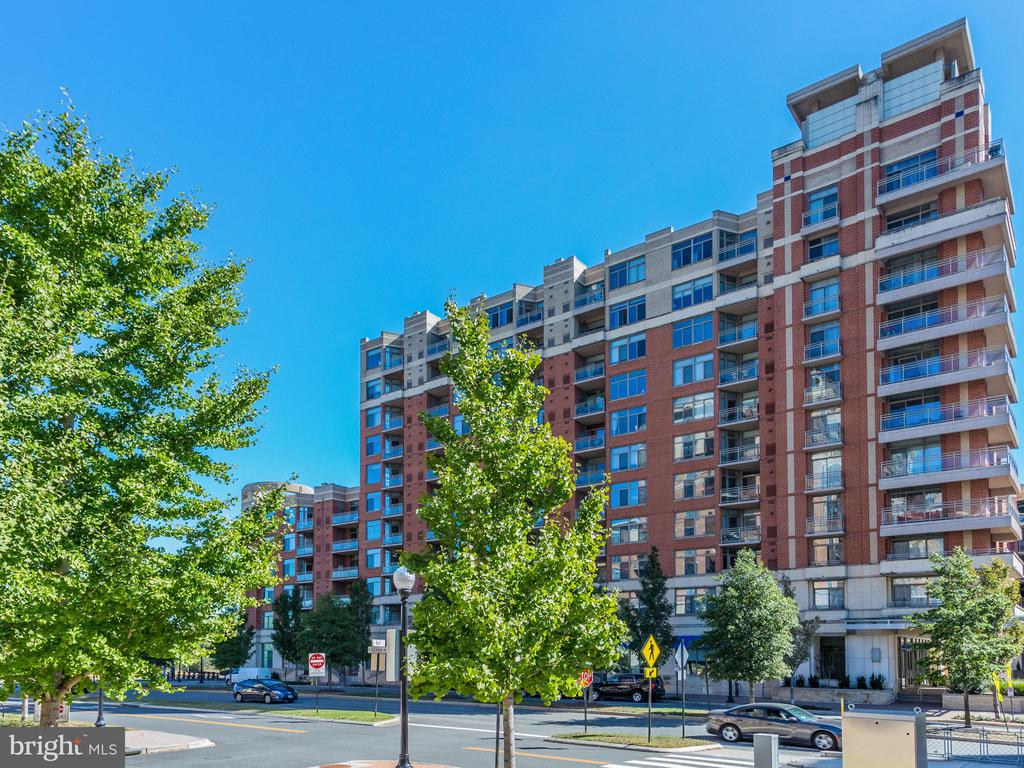 Photo of 3650 S Glebe Rd #246