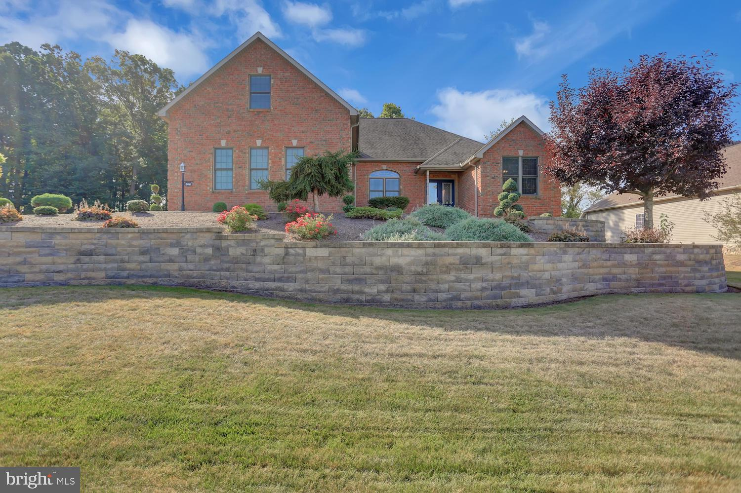 206 CRESTHAVEN DRIVE, FAYETTEVILLE, PA 17222