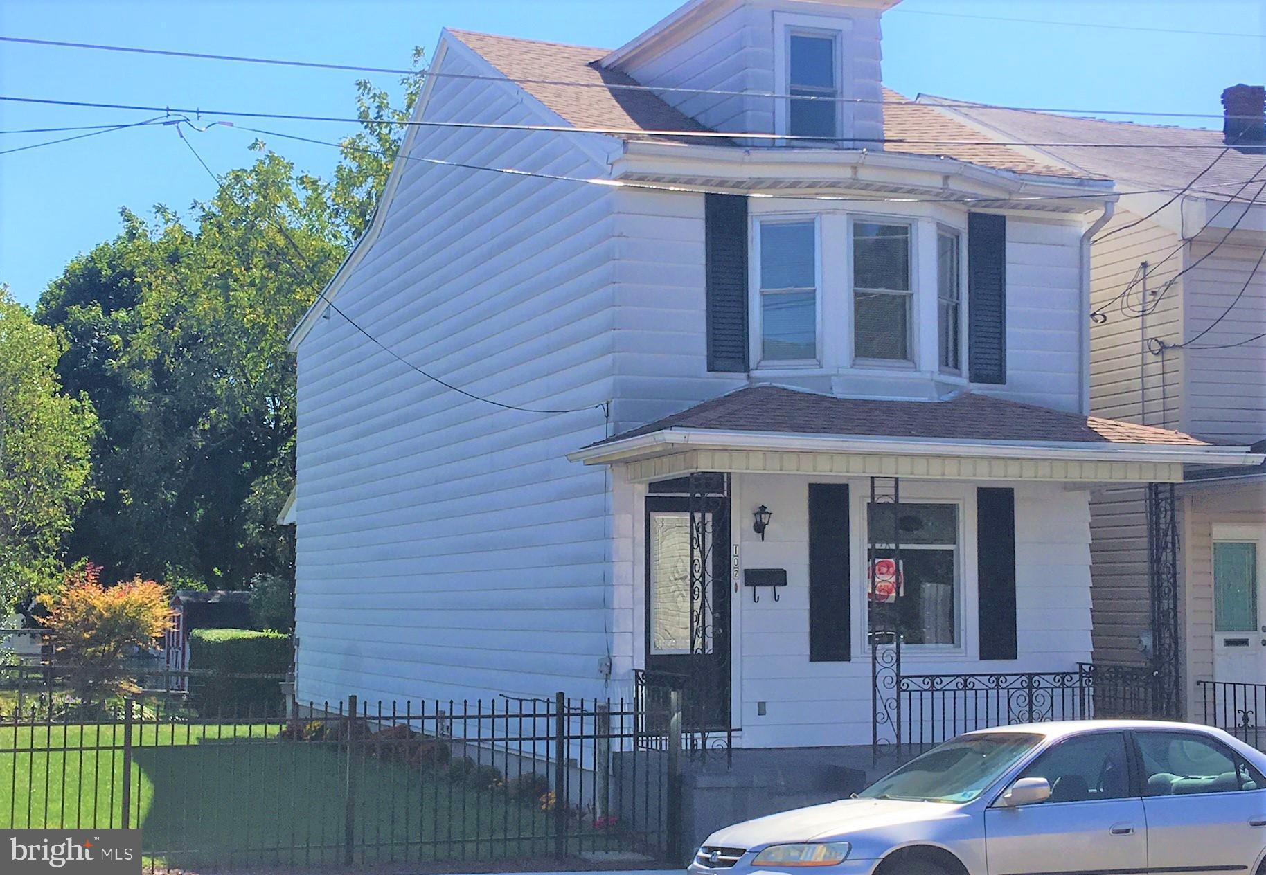 102 E FRANKLIN STREET, SAINT CLAIR, PA 17970
