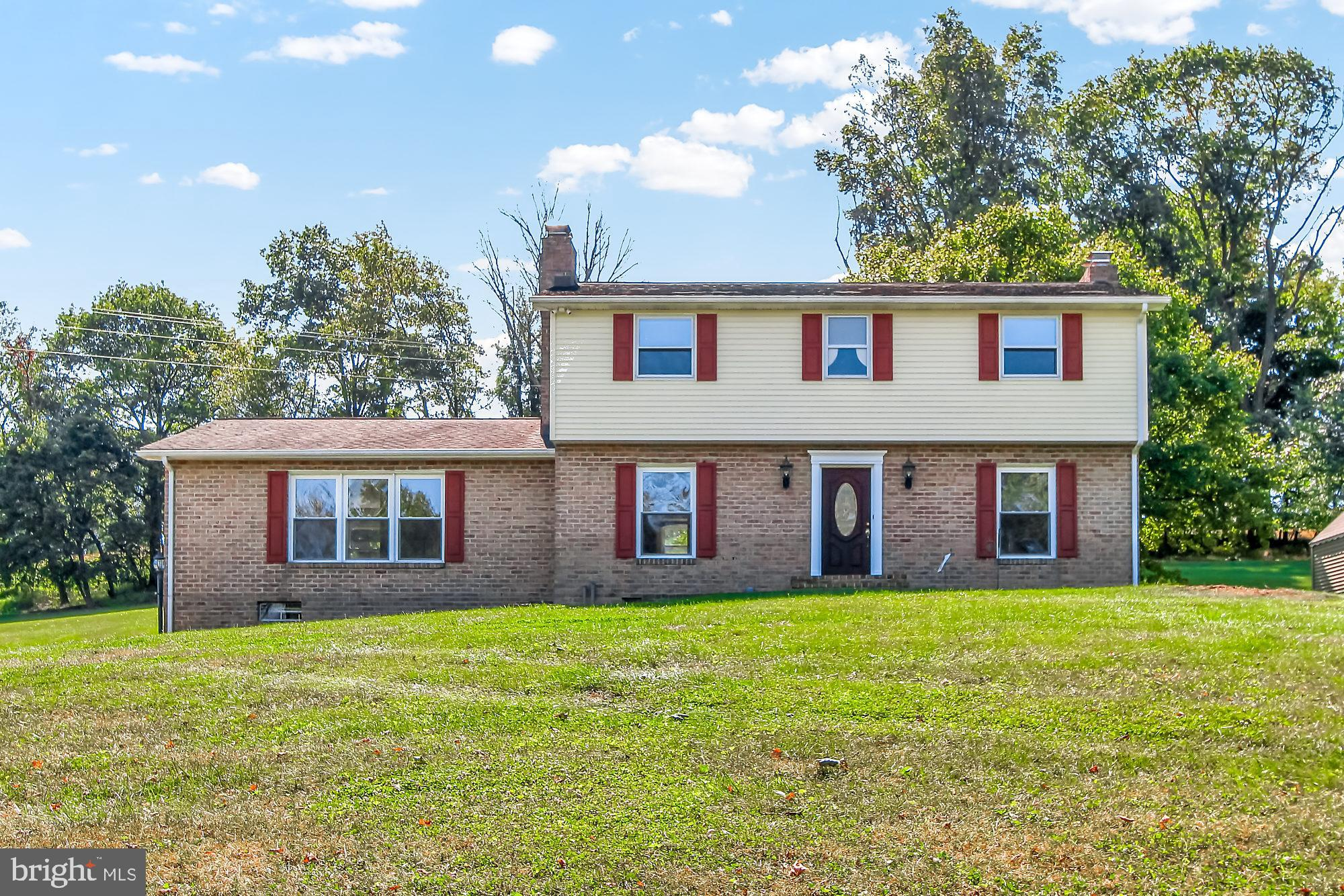 715 MEADOWVIEW DRIVE, RED LION, PA 17356