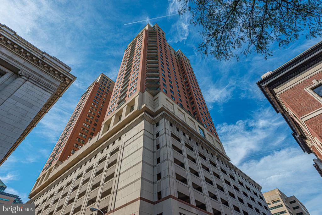 WOW! This condo has the views! 2 bedroom/2 bathroom condo for rent on the 24th floor. Open floor plan with fabulous natural light. Master bedroom has full bath with separate sauna tub. Kitchen that opens to a full dining/living room combo. Living room has gas fireplace. Lots of amenities to this wonderful city building! Lots of places to walk and lots of delivery options. Condo comes with 1 parking space. An additional parking space can be added with additional rent.  Available October 1.