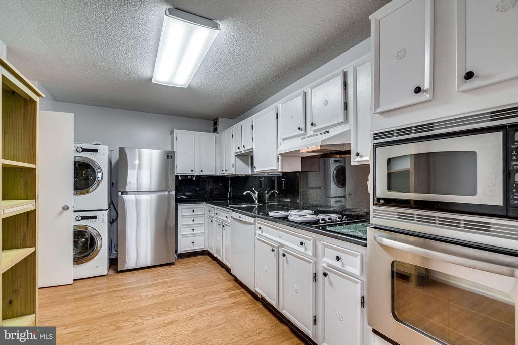 Alexandria Homes for Sale -  Gated,  203  YOAKUM PARKWAY  1124