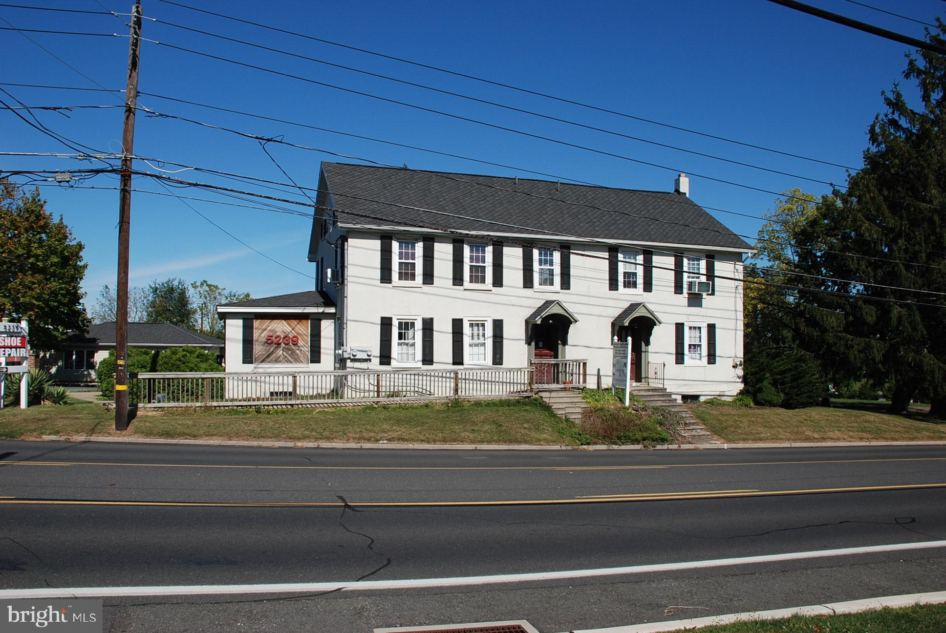 5239 HAMILTON BOULEVARD, WESCOSVILLE, PA 18106
