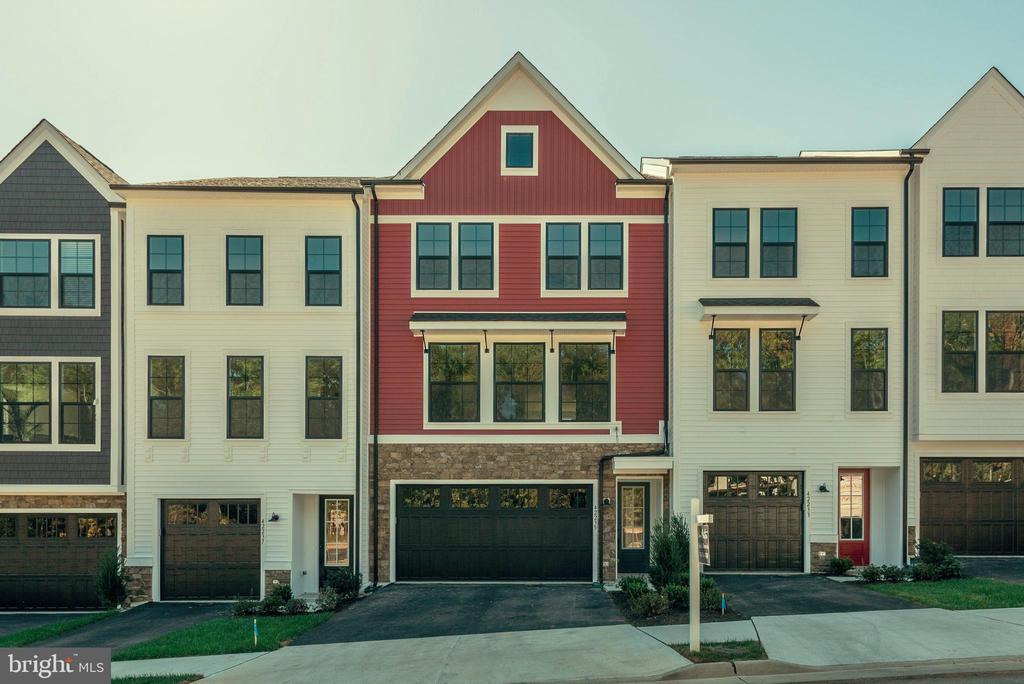 42235  GRAVES MOUNTAIN TERRACE,Fairfax  VA