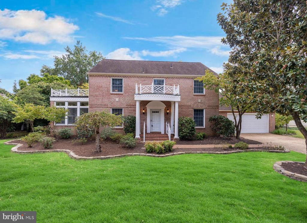 3717 Carriage House Ct, Alexandria, VA 22309
