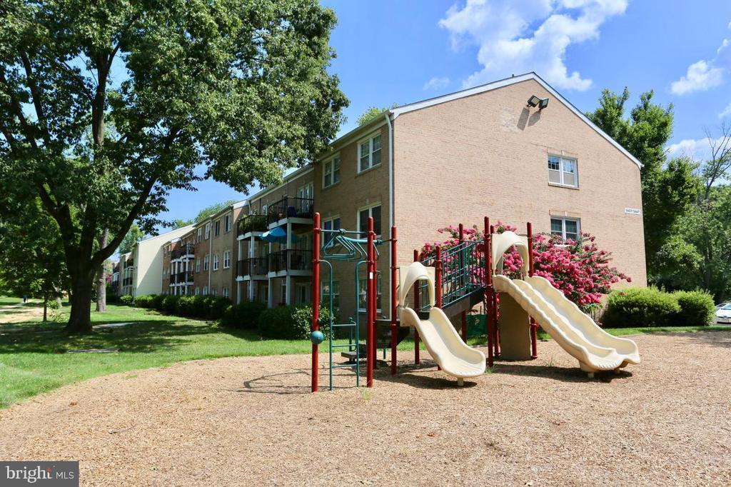 Photo of 9449 Fairfax Blvd #304