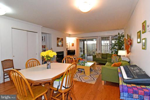 3401 Lakeside View Dr #18-3, Falls Church 22041