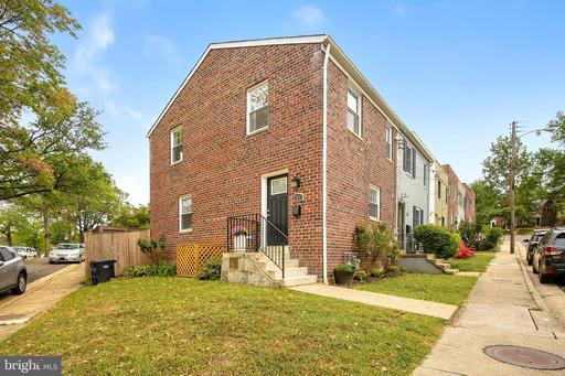 251 Burgess Ave, Alexandria, VA 22305