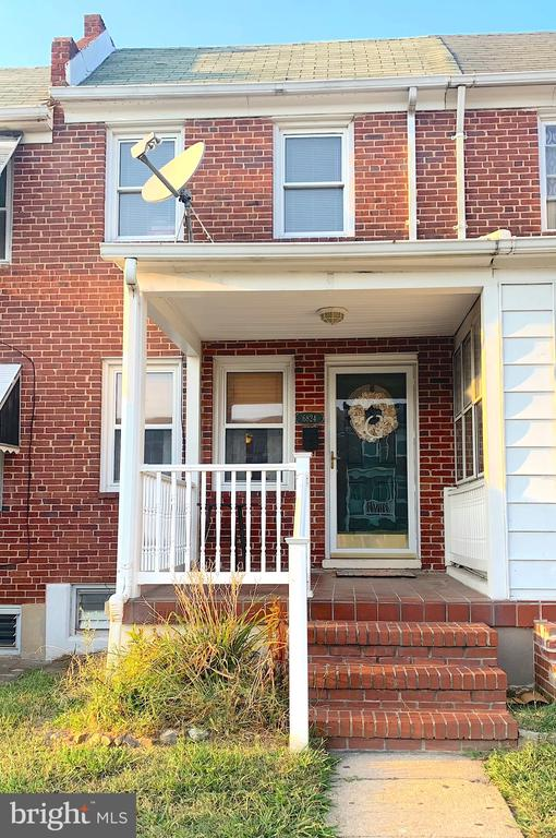 Well maintained home with many updates, off street parking, convenient to shopping and public transportation. Updates include hot water heater and electric A/C, to name a few. A must see, priced to sell and ready for you!