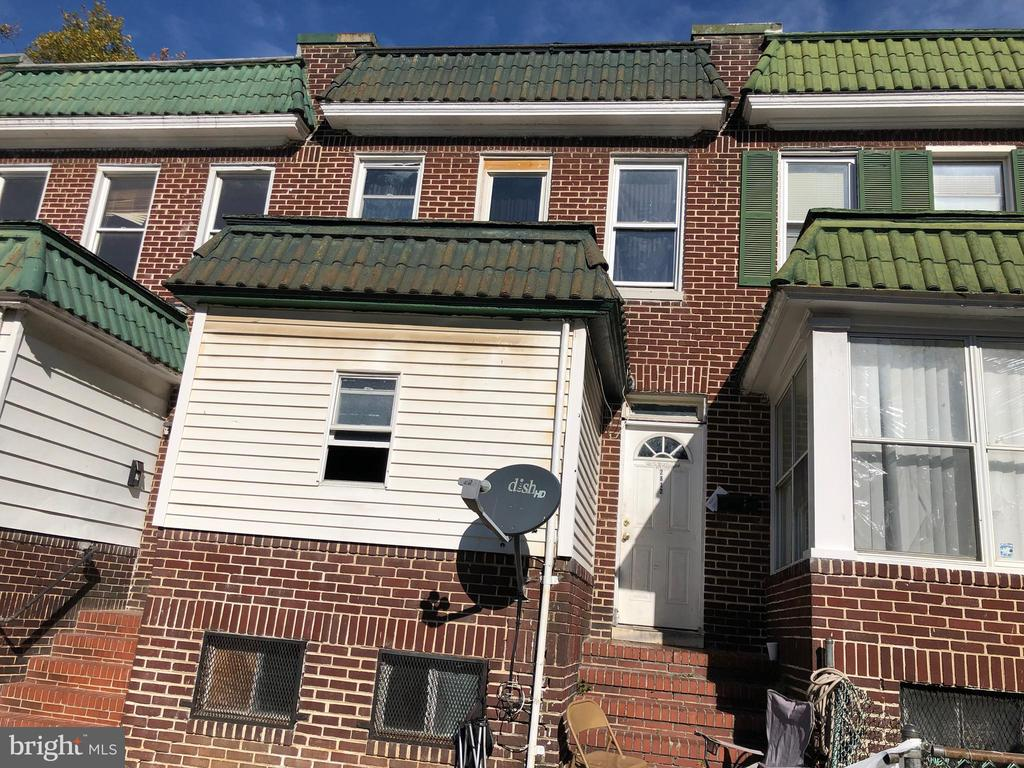 PUBLIC ONLINE AUCTION:  Bidding begins 10/24/19 @ 10:00 am  Bidding ends  10/25/19 @ 3:40 pm. List Price is Suggested Opening Bid.  2 story townhome in Towanda Grantley. Property is rented @ $900/mo. 10% Buyer's Premium or $1,000, whichever is greater. Deposit $2,500. For full Terms and Conditions contact auctioneer~s office.