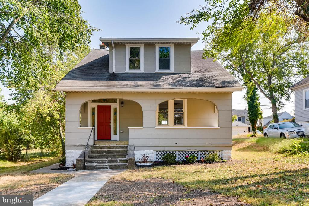 Beautiful Renovation! 4 BR 2 Full Baths, full finished basement. Excellent Finishes. Schedule a showing today!