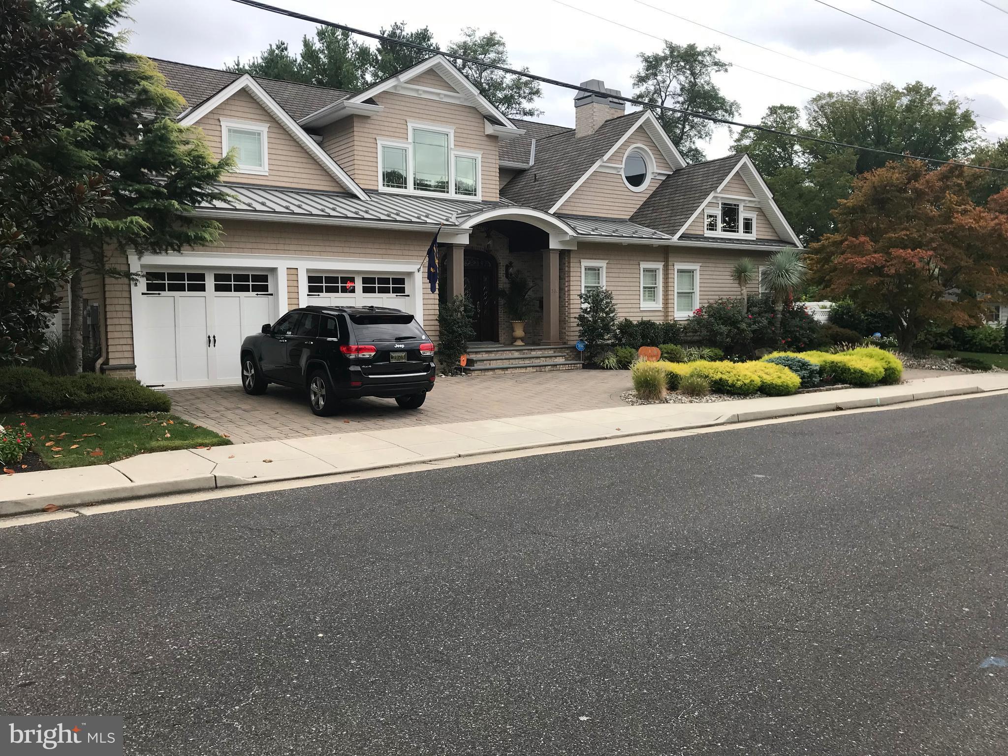 140 Oak Avenue, Linwood, NJ 08221