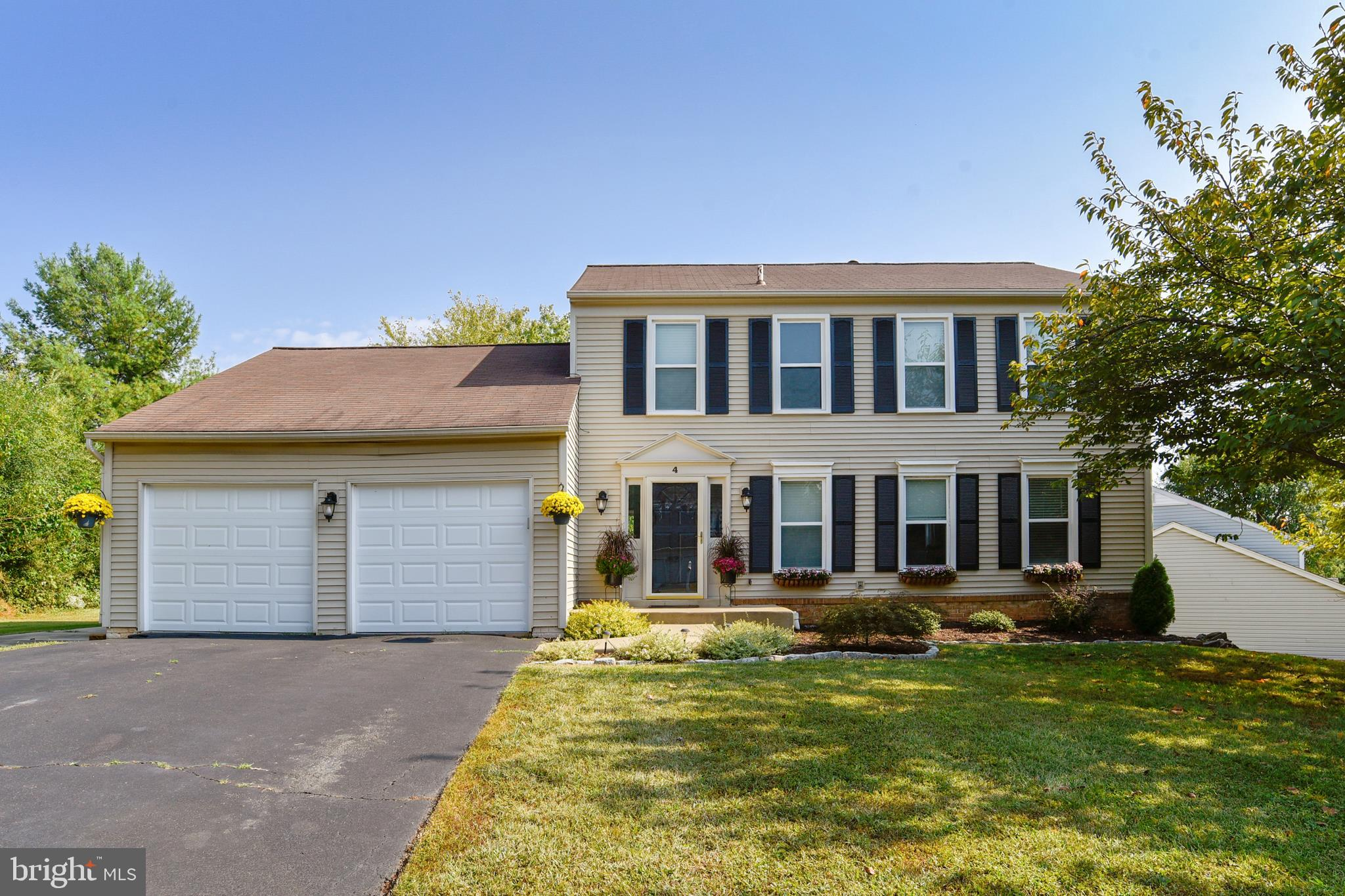 4 BLACKBIRD COURT, STERLING, VA 20164