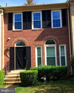 6271 Walkers Croft Way, Alexandria, VA 22315