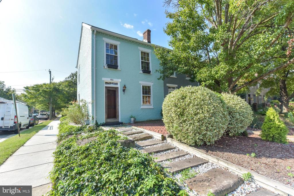 900  FRANKLIN STREET 22314 - One of Alexandria Homes for Sale