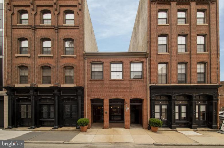 33 Letitia Street #408 Philadelphia, PA 19106