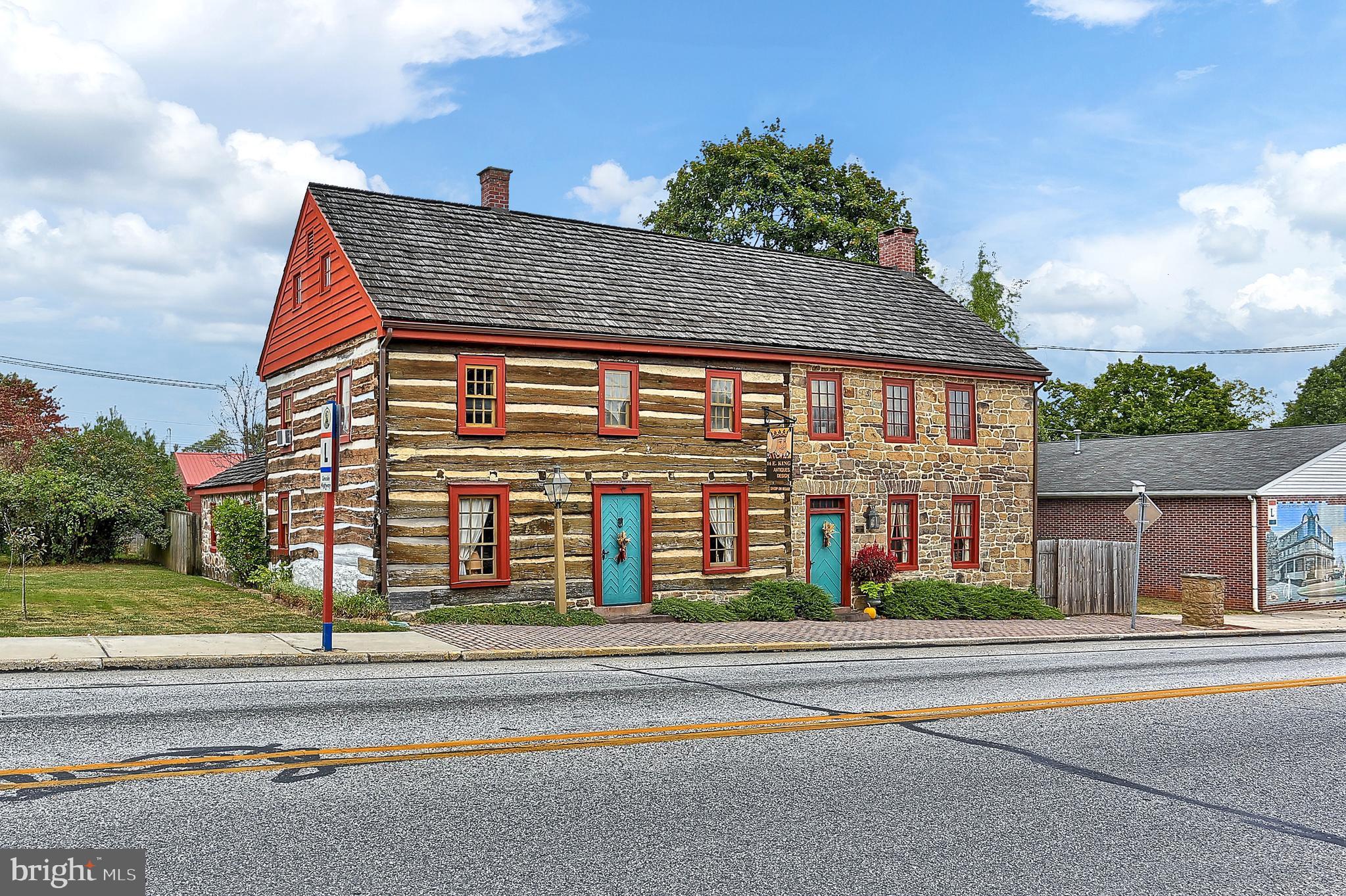 14 E KING STREET, ABBOTTSTOWN, PA 17301