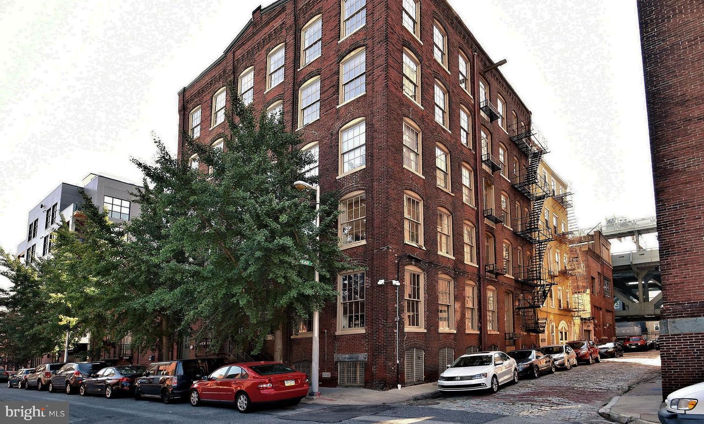 214 New Street #D (AKA 2S) Philadelphia, PA 19106