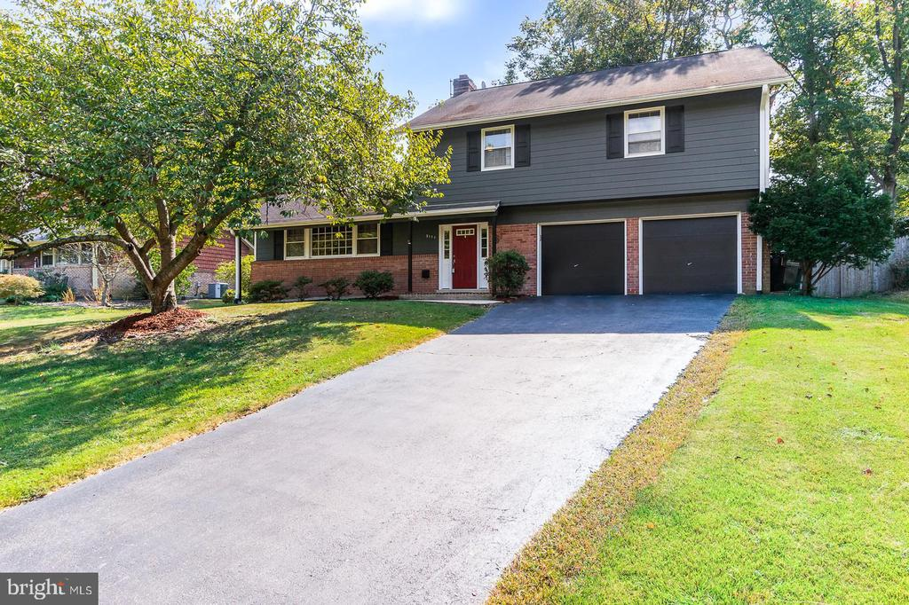 3111 Little Creek Ln, Alexandria, VA 22309