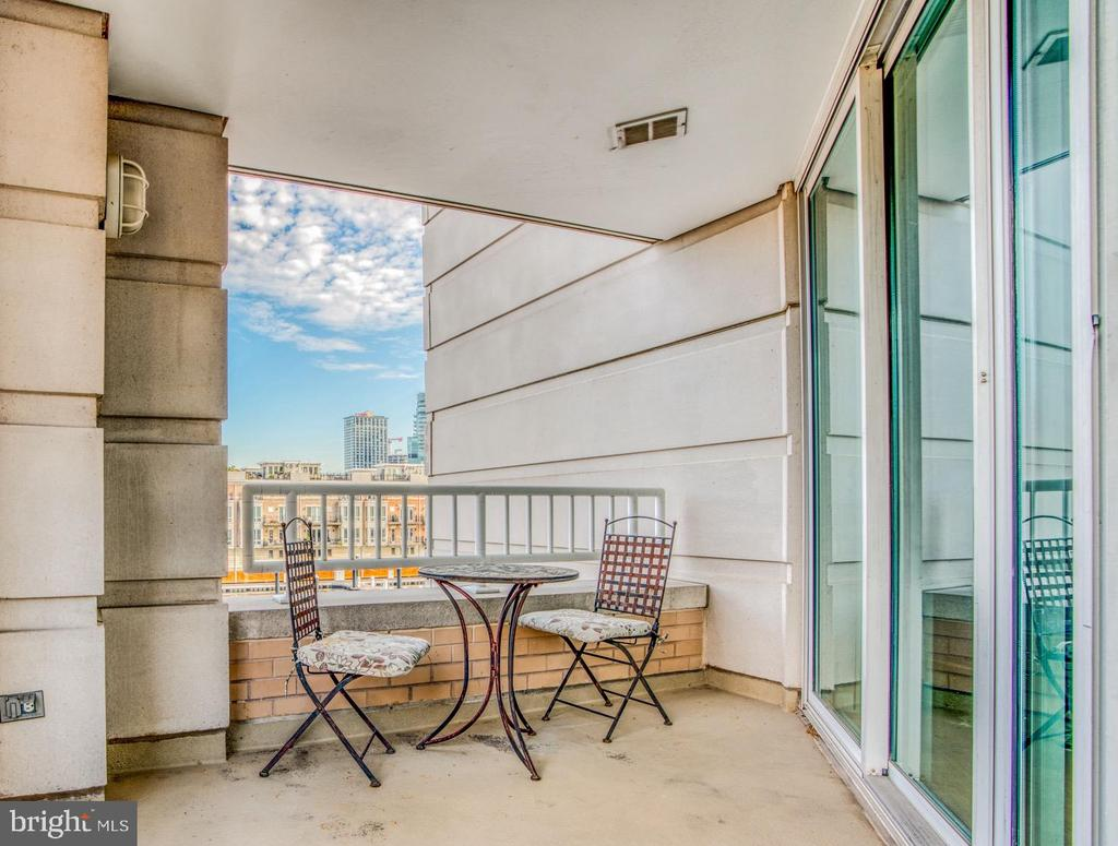 Enjoy sweeping water views from your balcony while sipping your morning coffee. This two bedroom two bathroom condo has an impressive water view of Baltimore's Inner Harbor and city skyline. Enjoy the luxurious game and billiards room for entertaining  friends and family or get your work out on in the state of the art gym. Harborview tower has an indoor pool that is open year-round. Di'Pasquales Italian Deli is located right beside the tower where one can enjoy breakfast, lunch, or dinner with traditional imported Italian ingredients. It does'nt get much better than Harborview living.