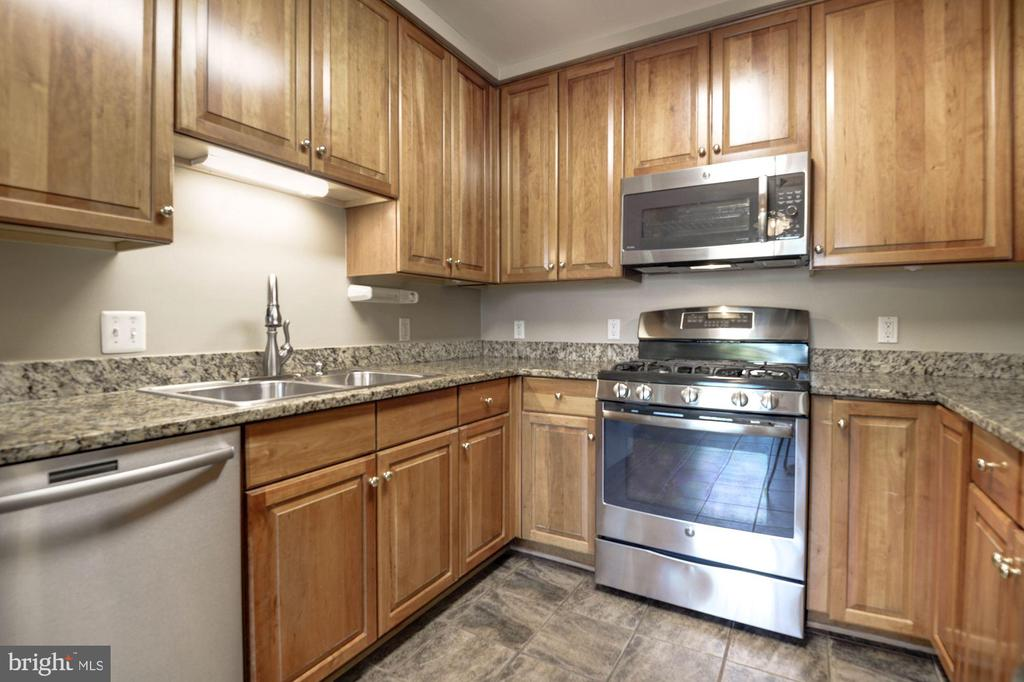 Photo of 1405 Roundhouse Ln #306